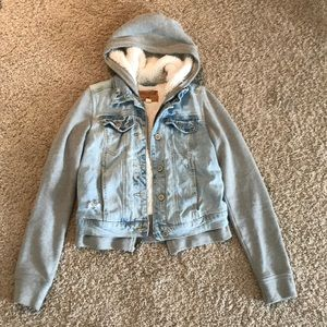 Hollister jean jacket with cloth sleeves